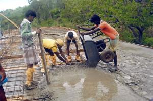 Scuola di Pulluvapady in costruzione
