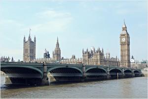 Lungo il Tamigi, il Big Ben - Londra