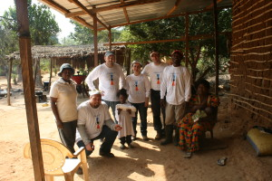 Sezione Acqua per Tutti - Camerun - team volontari locali e non